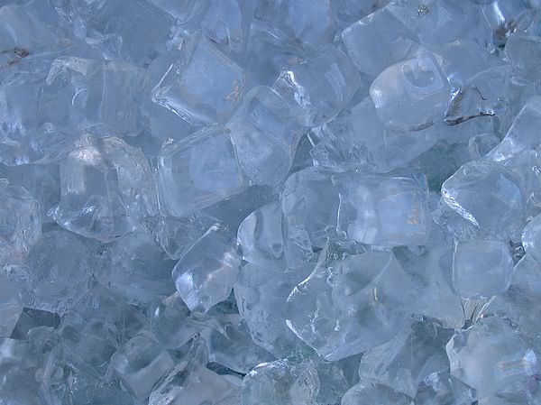 ice.cubes.cold2